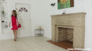 A esta vieja pelirroja le gusta el sexo anal con un chico